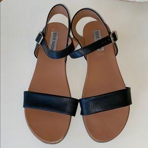 Steve Madden Daelyn Black Sandals